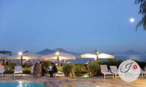 Celebrate your wedding in Naples!