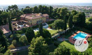 Wedding in villa overlooking the Adriatic Coast